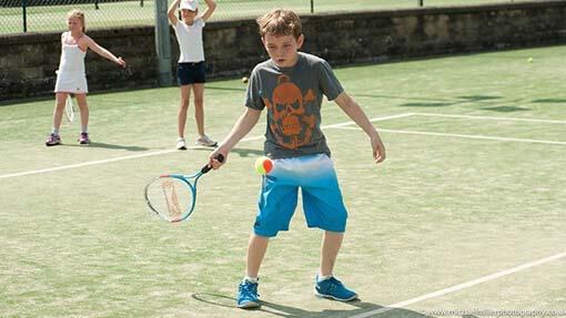 Tennis coaching and tennis courses for juniors in London, UK