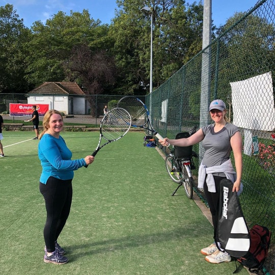 Single tennis leagues for adults in London, UK